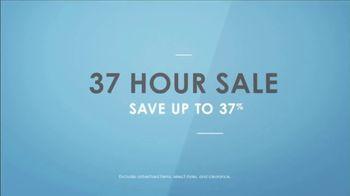 La-Z-Boy 37 Hour Sale TV Spot, 'So Many Colors' Featuring Kristen Bell - Thumbnail 9