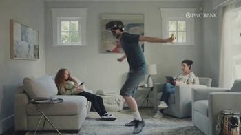 PNC Bank Virtual Wallet for Digital Banking TV Spot, 'VR Goggles' - Thumbnail 1