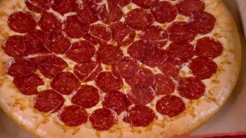 Little Caesars Pizza Stuffed Crazy Bread TV Spot, 'No estás soñando: Pepsi' [Spanish] - Thumbnail 7