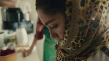 Coca-Cola TV Spot, 'La gran comida' canción de Amadou & Mariam [Spanish] - Thumbnail 4
