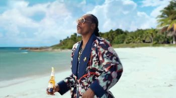 Corona Extra TV Spot, 'Keeping Up' Featuring Snoop Dogg - Thumbnail 3