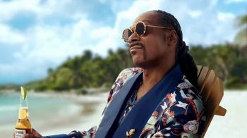 Corona Extra TV Spot, 'Keeping Up' Featuring Snoop Dogg - Thumbnail 4