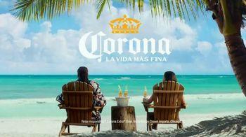 Corona Extra TV Spot, 'Expecting Somebody Else?' Featuring Snoop Dogg - Thumbnail 5
