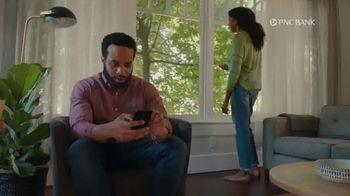 PNC Bank Virtual Wallet Checking Pro TV Spot, 'Pizza Tracking' - Thumbnail 1