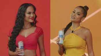 Bud Light Seltzer TV Spot, 'Celebra con Premios Juventud' con Natti Natasha [Spanish] - Thumbnail 5