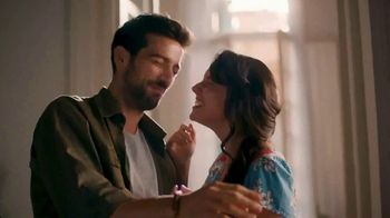 Glade Apple of My Pie TV Spot, 'Bloom' - Thumbnail 4