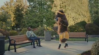 Little Caesars Stuffed Crazy Bread TV Spot, 'You're Not Dreaming: Free 2-Liter Pepsi' - Thumbnail 3