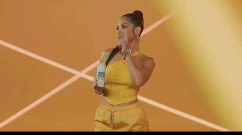 Bud Light Seltzer TV Spot, 'Celebra con Premios Juventud: noche única' con Natti Natasha [Spanish] - Thumbnail 6