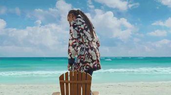Corona Extra TV Spot, 'No Hurry, No Worry' Featuring Snoop Dogg - Thumbnail 3