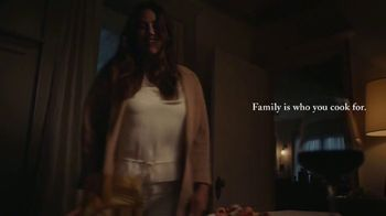 Classico Roasted Garlic TV Spot, 'Family: Healthcare Worker' - Thumbnail 9