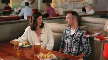Hooters TV Spot, 'Baby Come Back: Now Safely Reopen' - Thumbnail 9