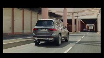 2020 Mercedes-Benz GLB TV Spot, 'Curious Girl' Song by Stevie Wonder [T2] - Thumbnail 1