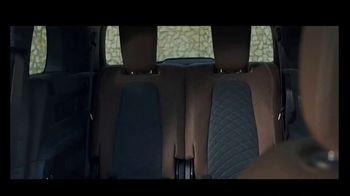 2020 Mercedes-Benz GLB TV Spot, 'Curious Girl' Song by Stevie Wonder [T2] - Thumbnail 7