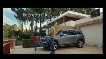 2020 Mercedes-Benz GLB TV Spot, 'Curious Girl' Song by Stevie Wonder [T2] - Thumbnail 8