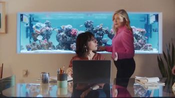 XFINITY Internet TV Spot, 'Open House: $24.99 a Month' Featuring Amy Poehler - Thumbnail 4