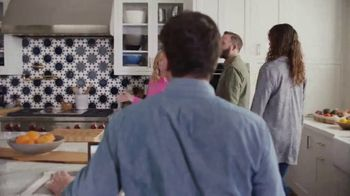 XFINITY Internet TV Spot, 'Open House: $24.99 a Month' Featuring Amy Poehler - Thumbnail 5