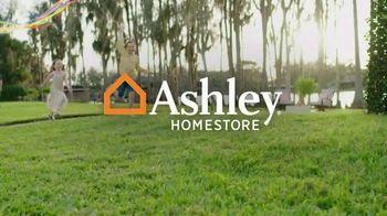 Ashley HomeStore Venta de Stars and Stripes TV Spot, 'Cero interés' [Spanish] - Thumbnail 1