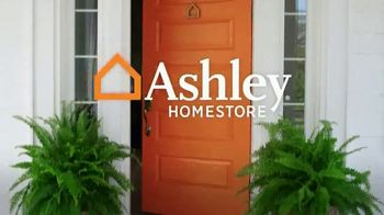 Ashley HomeStore Venta de Stars and Stripes TV Spot, 'Cero interés' [Spanish] - Thumbnail 7