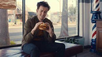 Jack in the Box Southwest Cheddar Cheeseburger Combo TV Spot, 'Menutauro: lo máximo' [Spanish] - Thumbnail 1