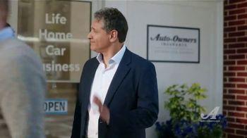 Auto-Owners Insurance TV Spot, 'Simple Human Sense: Name' - Thumbnail 9