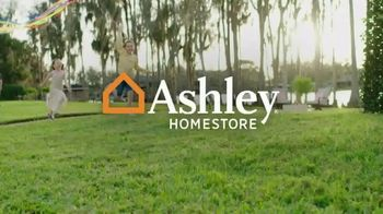 Ashley HomeStore Stars and Stripes Sale TV Spot, 'Save 20 Percent Off Storewide' - Thumbnail 1