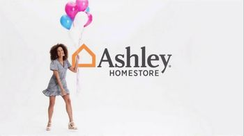 Ashley HomeStore Stars and Stripes Sale TV Spot, '4th of July Doorbusters: Sofa and Dining Table'