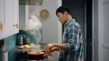 Filtrete TV Spot, 'Keep the Pan: More Sizes' - Thumbnail 1