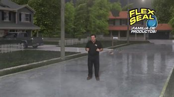 Flex Seal TV Spot, 'Familia de productos: bloquear el agua' con Phil Swift [Spanish] - Thumbnail 1