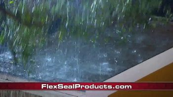 Flex Seal TV Spot, 'Familia de productos: bloquear el agua' con Phil Swift [Spanish] - Thumbnail 6