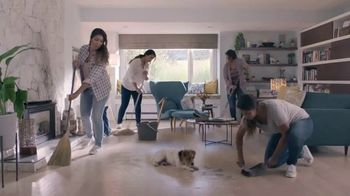 Swiffer Sweeper Dry Heavy Duty TV Spot, 'Confesiones de limpieza con Mia' [Spanish] - Thumbnail 3