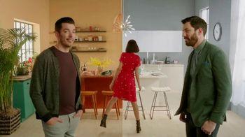 Kohl's Scott Living Collection TV Spot, 'Say Hello to Scott Living' Featuring Jonathan Scott, Drew Scott - Thumbnail 9