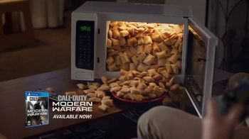 Totino's TV Spot, 'She's Home: Call of Duty'