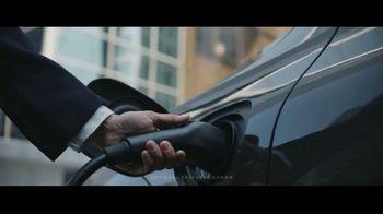 2020 Volvo XC60 TV Spot, 'Jogger' [T1] - Thumbnail 2