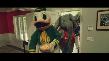 Rocket Mortgage TV Spot, 'Home Is Your Game Day Gathering Place' Song by Bob Dylan - Thumbnail 6