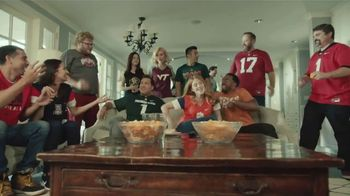 Rocket Mortgage TV Spot, 'Home Is Your Game Day Gathering Place' Song by Bob Dylan - Thumbnail 8