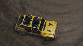 Jeep Gladiator TV Spot, 'All the Fun' Song by Bobby Darin [T1] - Thumbnail 3