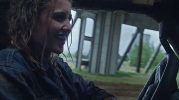 Jeep Gladiator TV Spot, 'All the Fun' Song by Bobby Darin [T1] - Thumbnail 4