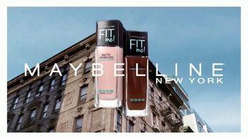 Maybelline New York Fit Me! Matte + Poreless Foundation TV Spot, 'Se adapta' [Spanish] - 415 commercial airings