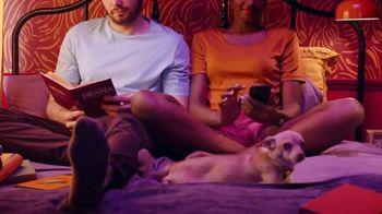 Hinge TV Spot, 'Meeting the Dog' - Thumbnail 7