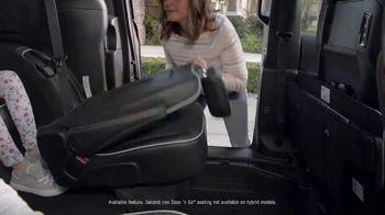 2019 Chrysler Pacifica TV Spot, 'Talking Van: Doesn't Suck' [T2] - Thumbnail 4