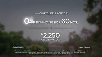 2019 Chrysler Pacifica TV Spot, 'Talking Van: Doesn't Suck' [T2] - Thumbnail 9