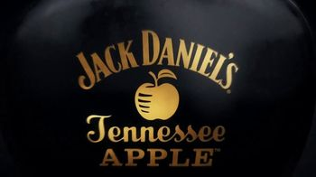 Jack Daniel's Tennessee Apple TV Spot, 'Infinite Apple' - Thumbnail 1