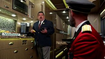 Hotels.com TV Spot, 'ABC: Minibar' Featuring Guillermo Rodriguez - Thumbnail 6
