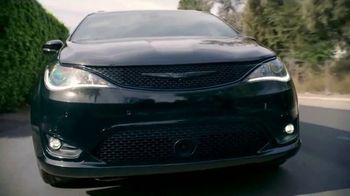 Chrysler Pacifica Blockbuster Sales Event TV Spot, 'Great Deals Come to Life' [T2] - Thumbnail 3