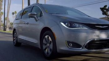 Chrysler Pacifica Blockbuster Sales Event TV Spot, 'Great Deals Come to Life' [T2] - Thumbnail 4
