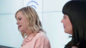 XFINITY Mobile TV Spot, 'A Little Bird Told Me: $19.99 Internet' Featuring Amy Poehler - Thumbnail 2