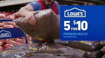 Lowe's TV Spot, 'July 4th: Mulch and Garden Soil' - Thumbnail 6