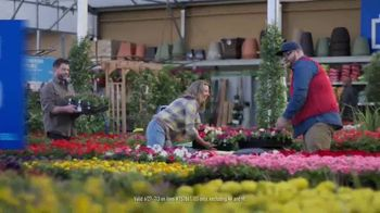 Lowe's TV Spot, 'July 4th: Mulch and Garden Soil' - Thumbnail 7