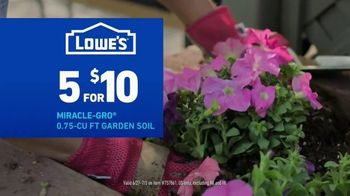 Lowe's TV Spot, 'July 4th: Mulch and Garden Soil' - Thumbnail 8