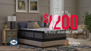 Ashley HomeStore Stars & Stripes Mattress Event TV Spot, 'Adjustable Sets & Ashley Cash' Song by Midnight Riot - Thumbnail 3
